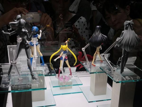S.H.Figuarts Sailor Venus 3